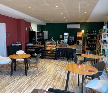 Vente de fond de commerce-restaurant propre, beau matériel, rentable et excellemment bien placé. image 1
