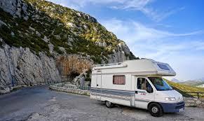 Cherche à reprendre distribution de camping-car et équipements image 0