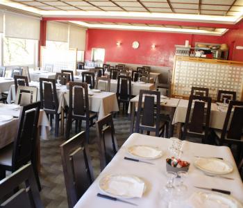 A vendre fonds de commerce  cause départ à la retraite - Hôtel, bar restaurant pizzeria. image 1