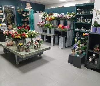 Belle boutique de fleurs très lumineuse dans village historique implanté depuis 14 ans. image 1