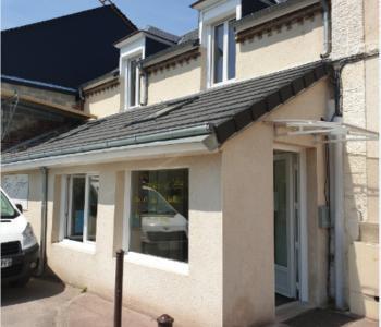 Vends fonds de commerce très beau salon de coiffure à proximité de Louviers ; beau potentiel. image 0