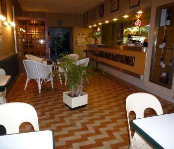Vends fonds de commerce d'un hôtel-restaurant situé sur la Nationale 7 image 2