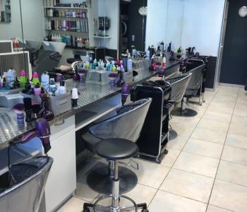 Vend salon de coiffure très bonne affaire rentable et avec potentiel. Région Haute-Savoie. image 2